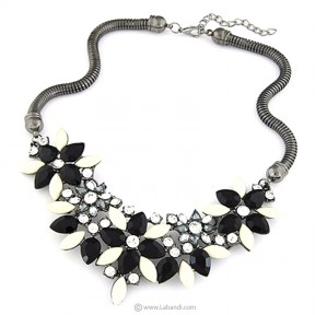 Retro Style Choker Necklace