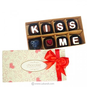 KISS ME 8 Piece Chocolate Box