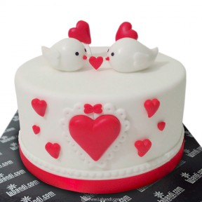 Love Birds Cake - 2.2lb