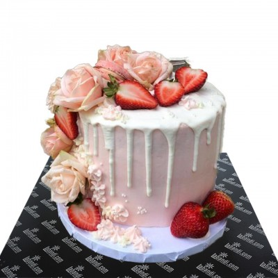 Strawberry Roses Cake