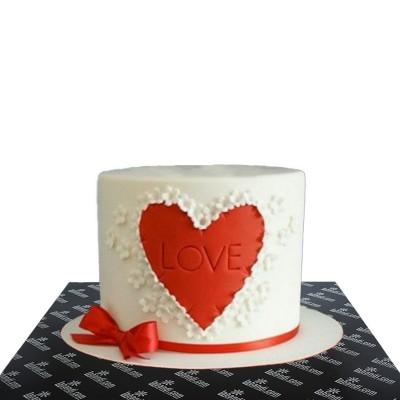 Bleeding Love Cake