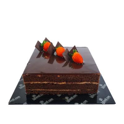 Strawberry pop chocalate cake