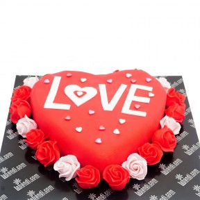 Roses with Love Cake